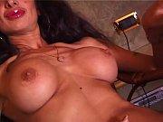 зрелые женщины с парнем порно онлайн