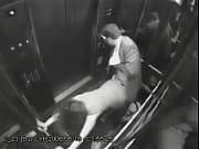 Жестко трахнули в лифте