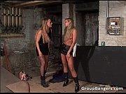 лесбиянок трахает мужик в попки