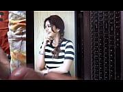 Мулатка трется пиской об член видео фото 145-395