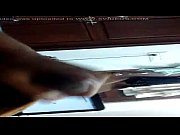 Порно скрытая камера студенты в туалете трогать под юбкой