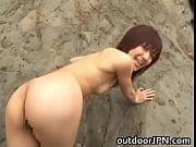 【無料エロ動画】無人島で4P!3人の美女ハーレムを独り占め、性欲発散させまくりです