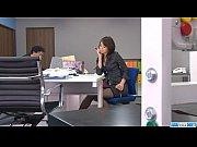 【人妻動画 無修正】お局様な若妻が社内でオナニーw【xvideo... - YourAVHostの無料エロ動画