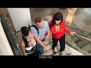 []美術館に来た爆乳ギャル!無修正:現実にはありえないような様々な企画ものの盗撮ビデオです。の無料エロ動画