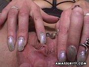 Порно делают миньет мама с дочкой