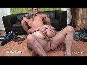 Sexo grupal com madura gostosa