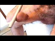 Лысоватый мужик трахает пышную брюнетку дома
