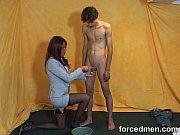 Порно ролики прокалывание груди и половых губ иглами