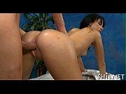 Порно срыв целок большим челеном видео фото 471-561
