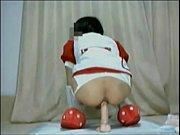 いちご柄のとかスクール水着とかメイドとかのコスプレオナニーw - muryouero.comスマホ iPhone Android 無料エロ動画