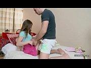 Vídeo incestuoso com uma linda novinha