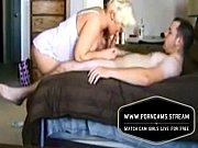 Смотреть красивый секс на лавочке с блондинкой