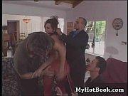 Порно отец вместе сыном трахают мать