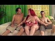 Большая грудь красивая девушка с огромными сосками