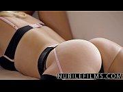 vídeo Duas putas estilo panicat se pegando no motel parte - http://safadasdoporno.com