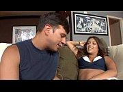 Откровенное лишение девственности порно секс видео