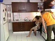 Мамаша заставыла його член потанцевать дойки