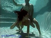 video-seks-pod-vode