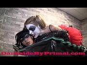 [盗撮]バットマンとかそういうやつに出て来るスーパーヒロイン女です!異常性格ですよね。内なる暴力衝動を解消するために悪人を殴ったり殺したり発散してるのです。やはり暴力って良いですよね。きっと欲情してマンコがヌルヌルになっていると思います。 企画フェチ動画です。 Katwoman Broken by Harlee Quinn PREVIEW - 1 min 30 sec