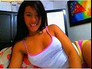 Novinha muito linda ficando nuazinha na webcam