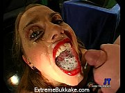 Picture Sexy babe Magdalena gets her pussy stretched...