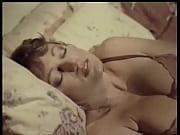 эротическое фото девушек под платьем стринги