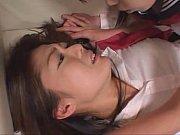 教え子に淫乱と罵られながら足を舐めさせられる女教師の強制レズプレイ|無料エロ動画まとめSP-ERO.NET