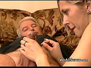 Old man wanks while rubbing a
