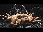 Профессиональные порно фото высокого разрешения крупным планом сисястая сучка в черных чулках раздвинула пизду и анус