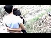 Clip đôi tình nhân trẻ sờ cu hôn nhau giữa đường vắng người