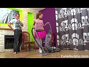Teeny vacuums cock with her mo