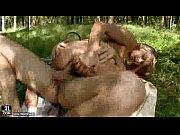 Русская парочка трахется в лесу