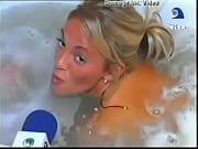 Maria Eugenia Rito desnuda en la bañ ...