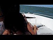 mulata peituda fodendo no barco