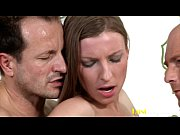 врач гинеколог осматривает девушку и возбуждает ее