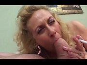 Порно тетка увижела что он дрочиь