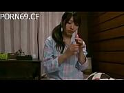 PORN69。CF-日本語女の子オナニー彼女パジャマ前に就寝時間GotPornその1