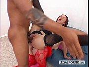 Negão Monster Cock arrombando o cú de duas mulheres