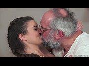 Жесткое порно с молодыми брюнетками