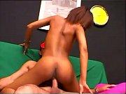 Gamle mænd og unge kvinder massage 24 7