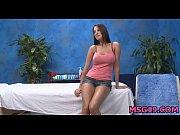 Порно видео девушка парня страпоном
