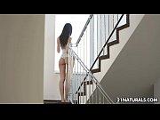 секс в первый раз видео 18 16