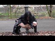 Частное интимное видео жены на публике