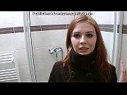v-obshestvennom-tualete-video