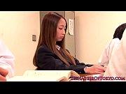 【無料エロ動画】高飛車なお嬢様がプライド踏みつけられるアナルプレイを強要される