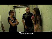 порно видео ебет двух подруг