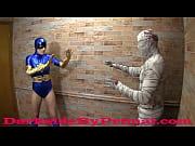 [フェチ]ミイラ男と戦っていたらサルのように中出し交尾になりました!  むっちりした太目の美少女のアダルト動画です。 Golden Shield submits to the Pharaoh XXX PREVIEW - 1 min 35 sec