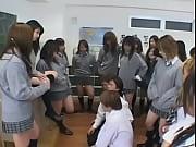 教室で女子たちに洗ってないマンコ舐めさせられる哀れな俺の姿をご覧くださいwww