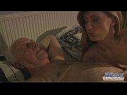 Novinha que adora sexo com velhos