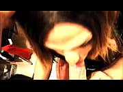 Девушка в гинекологическом кресле